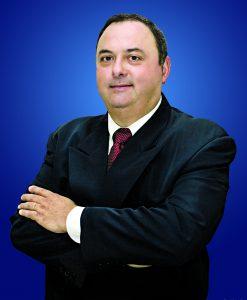 Biólogo e Entomologista Urbano, especialista em Saúde Pública, Dr. André Luís Fernandes